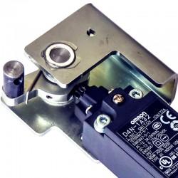 Sistema de detección de apertura de puertas con llave de emergencia